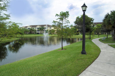 Aston Gardens at Parkland Commons Image 12