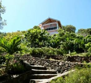 Grenadine Escape Image 7